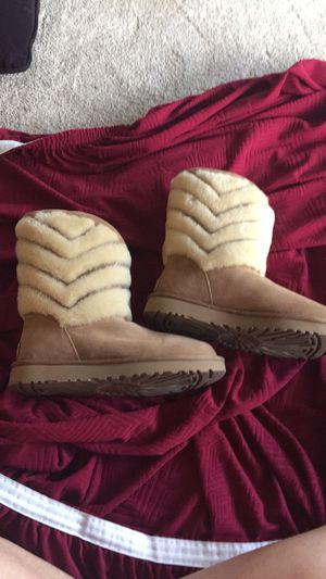 Never worn uggs women's size 8 for Sale in Tampa, FL