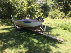 Grumman 14 foot boat and trailer for Sale in Lewisberry, PA