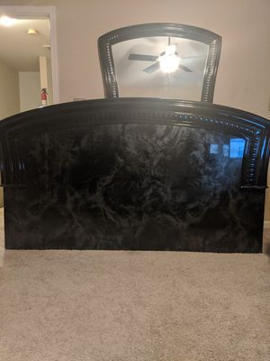 Headboard, Dresser and Mirror for Sale in Alexandria, VA