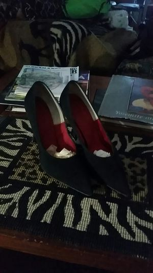 """Customcraft 3""""heels Black materal, leather soles, pointed toes for Sale in Phoenix, AZ"""