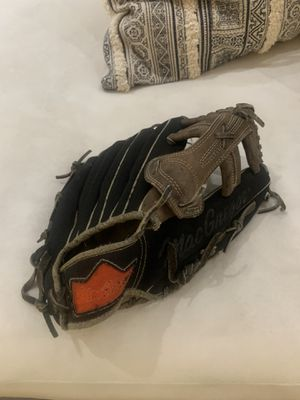 Hand crafted MacGregor baseball glove with Roy Smalley stamp for Sale in Palm Springs, CA