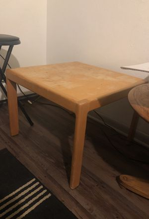 Small desk/ night stand for Sale in Denver, CO