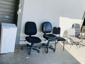 Free For Pickup - Desk Chairs, Dresser for Sale in Portland,  OR