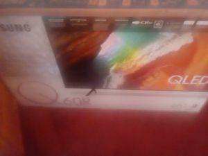 Samsung q60r 65in Qled tv for Sale in Spring Hill, FL