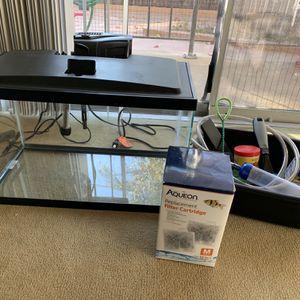 Aqueon 10 gallon Fish Tank Aquarium With Accessories for Sale in Los Angeles, CA