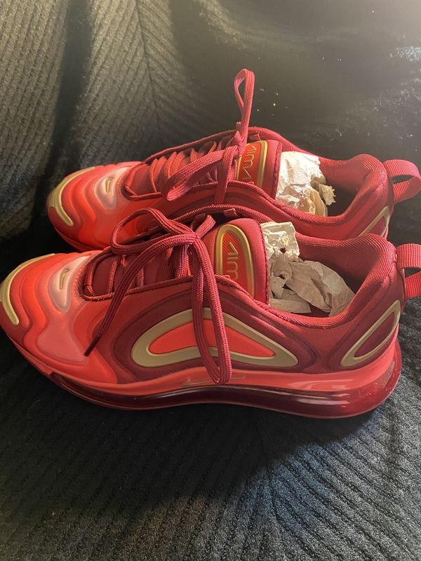 Size 6y Nike air max 720