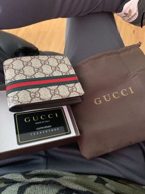 Gucci wallet New for Sale in Long Beach, CA