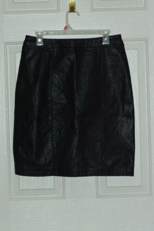 Black Leather.Skirt Size Medium for Sale in Las Vegas, NV