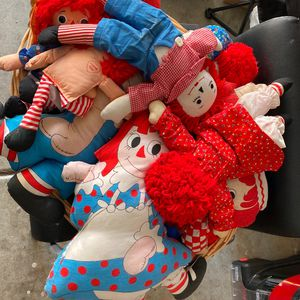 Basket Of Vintage Raggedy Ann And Andy Dolls for Sale in Martinez, CA