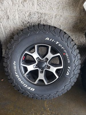 Jeep wrangler JK / JL wheels and tires 33 in (set of 5) for Sale in Tempe, AZ
