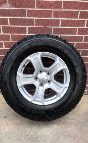 (5) GOODYEAR JEEP WRANGLER RIM & TIRE 245/75R17 for Sale in Houston, TX