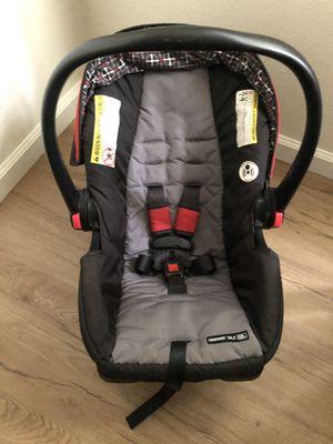 Graco car seat w base for Sale in Mililani, HI