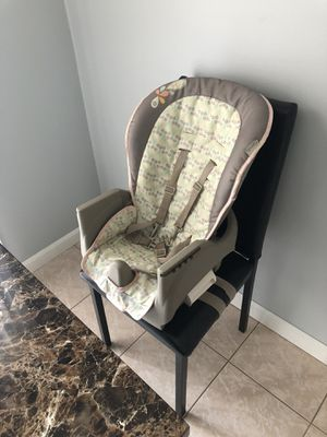3 in 1 high chair booster seat for Sale in Sterling Heights, MI