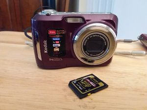 Kodak c195 digital 14mp camera and 4gb memory card for Sale in Delray Beach, FL