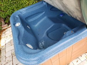 Hot tub for sale for Sale in Largo, FL