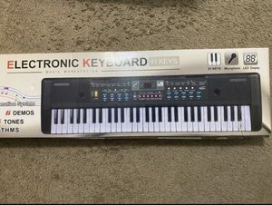 Electronic keyboard for Sale in Boston, MA