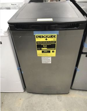 Magic Chef 4.4 cu. ft. Mini Fridge with Freezerless Design in Stainless Steel Home and Garden TX for Sale in Bellaire, TX