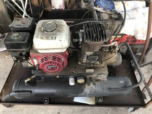 Hitachi Gas Compressor 5.5 hp Honda for Sale in San Antonio, TX