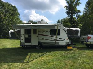 2014 Jayco Jay Feather Ultra Lite x17z Hybrid Camper for Sale in New Fairfield, CT