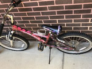 "Girls bike Pacific Windstorm 20"" tires for Sale in Ellwood City, PA"