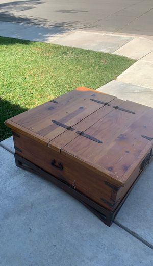 Large rustic solid coffee table for Sale in Temecula, CA