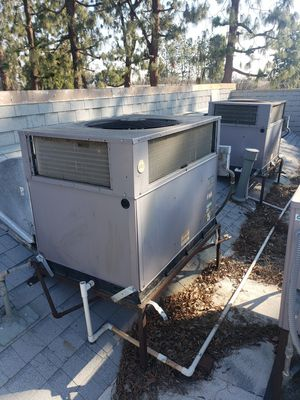Air conditioning unit 2, 2 1/2, 3, 3 1/2 ton units for Sale in Fresno, CA