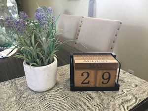 Farmhouse decor date changing and fake plant for Sale in Visalia, CA