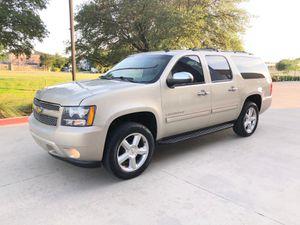 2011 Chevy Suburban LT tituló limpio no pagos for Sale in Dallas, TX