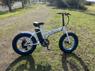 Ecotric Fat Tire Portable and Folding Electric Bike-White and Blue for Sale in Oakland,  CA