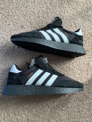 Adidas Iniki Boost Size 9 for Sale in Seattle, WA