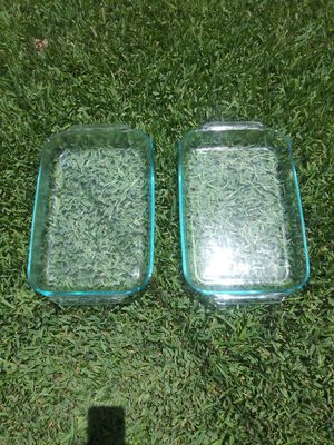 """(2) Vintage """"Pyrex"""" Oblong Tinted Green Glass Baking Dishes for Sale in Houston, TX"""