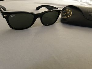 Ray Bans REAL & LIKE NEW NO DAMAGE for Sale in Bell, CA