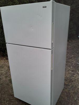 GE HOTPOINT refrigerator for Sale in Salem, OR