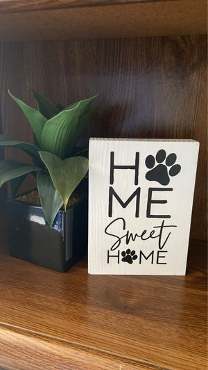 Dog home sweet home sign with fake plant for Sale in La Verne, CA