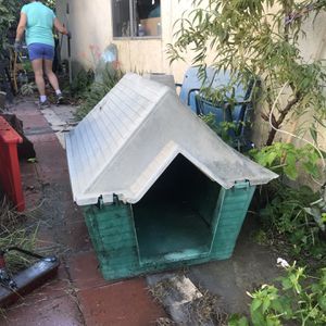Dog house for Sale in City of Industry, CA