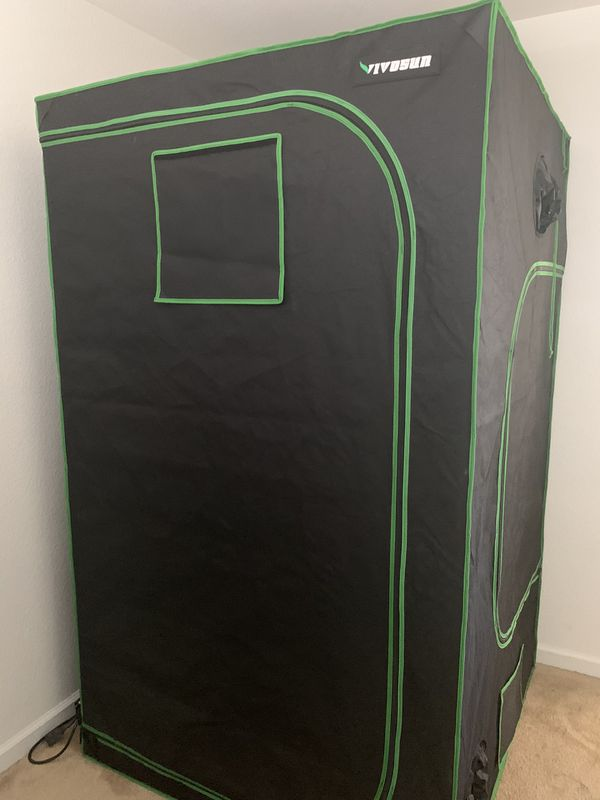 Grow tent, the whole set up 4x4x8