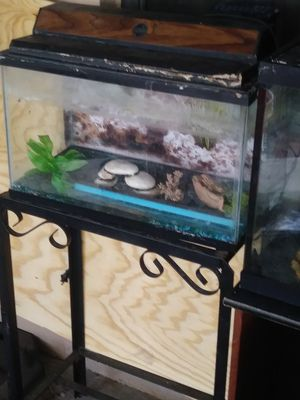 🌟 Fish Tank with Stand, Light, Heater & Filtration System!🌟MAKE AN OFFER🌟 for Sale in Miami, FL