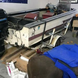 16 Ft Sylvan Fishing Boat With 50 Hp Mercury for Sale in Joliet, IL