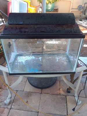 Tank 5 gallons for Sale in Fort Pierce, FL