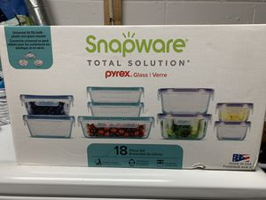 Pyrex snapware glass container for Sale in Rockville, MD