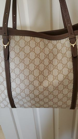 Gucci signature tote bag for Sale in Las Vegas, NV