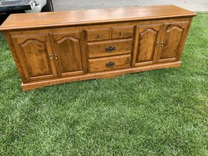 Vintage Ethan Allen Media Console. Gorgeous for Sale in Bowie, MD