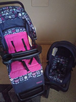 Car seat and stroller combo for Sale in Lubbock, TX
