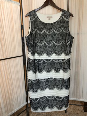 Black and white dress with pretty design size 16 for Sale in Naperville, IL