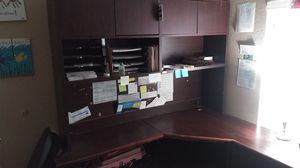 Nice corner desk for Sale in Surprise, AZ