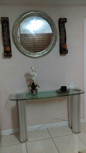 Entry table and mirror for Sale in Hialeah, FL