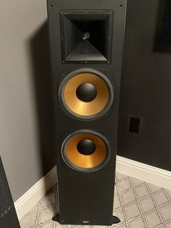 Klipsch RF-7 Pair And RC-7 Center Channel for Sale in Salem,  OR
