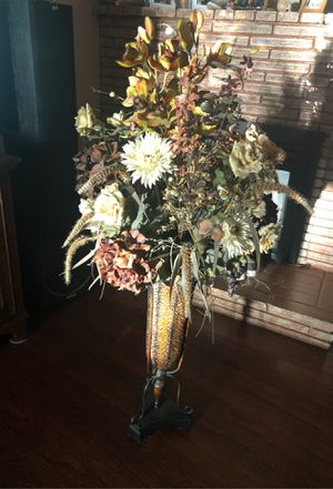 Flower arrangement $35.00 for Sale in Fresno, CA