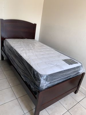 Twin bed for Sale in Bakersfield, CA