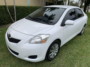 2012 Toyota Yaris le for Sale in Miami, FL